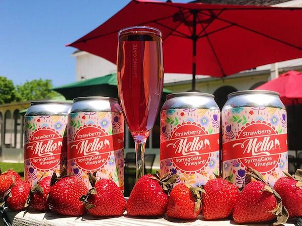 Bubbly Strawberry Mello Cans - 4 Pack